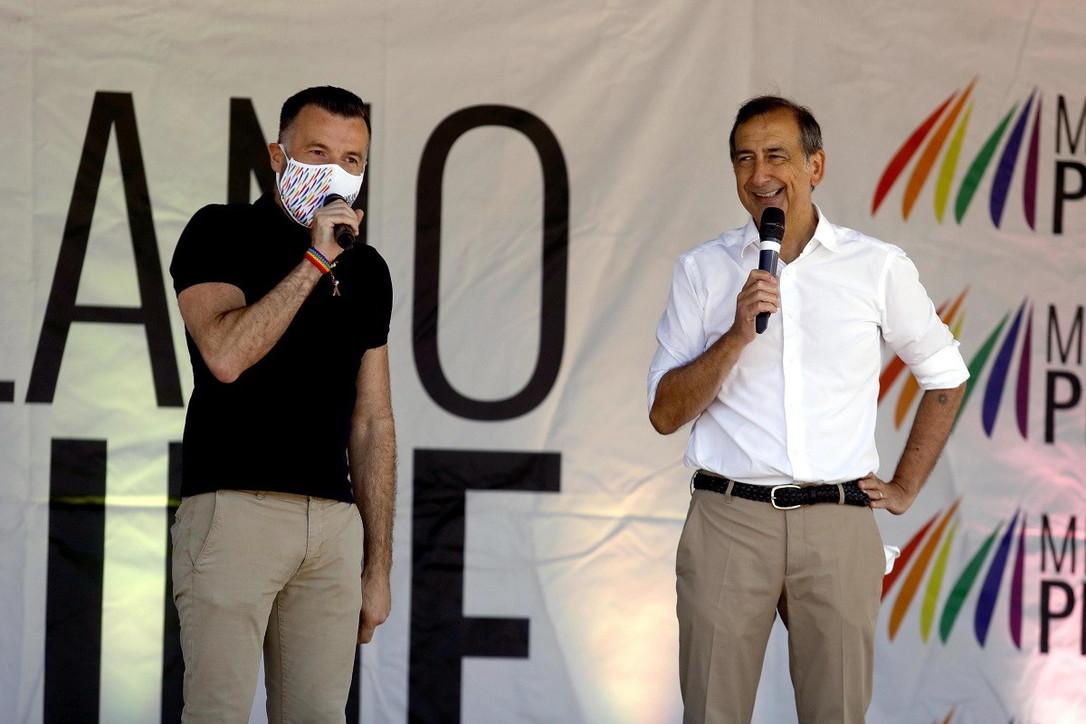 """Pride, in giro perMilano si celebra l'orgoglio omosessuale  Ddl Zan, Letta: """"I numeri per approvarlo ci sono"""""""