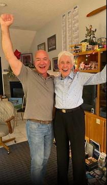 Viaggio nello Spazio, insieme a Bezosci sarà ancheun'ex pilota di 82 anni