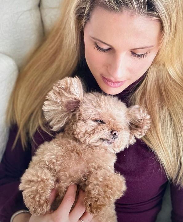 Michelle Hunziker ha perso la sua cagnolina: il dolore social per la morte di Lilly