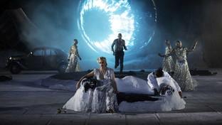 Tornano le tragedie greche a Siracusa:Baccanti moderne con Lucia Lavia superstar