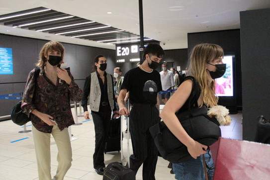 I Maneskin sbarcano all'aeroporto di Fiumicino