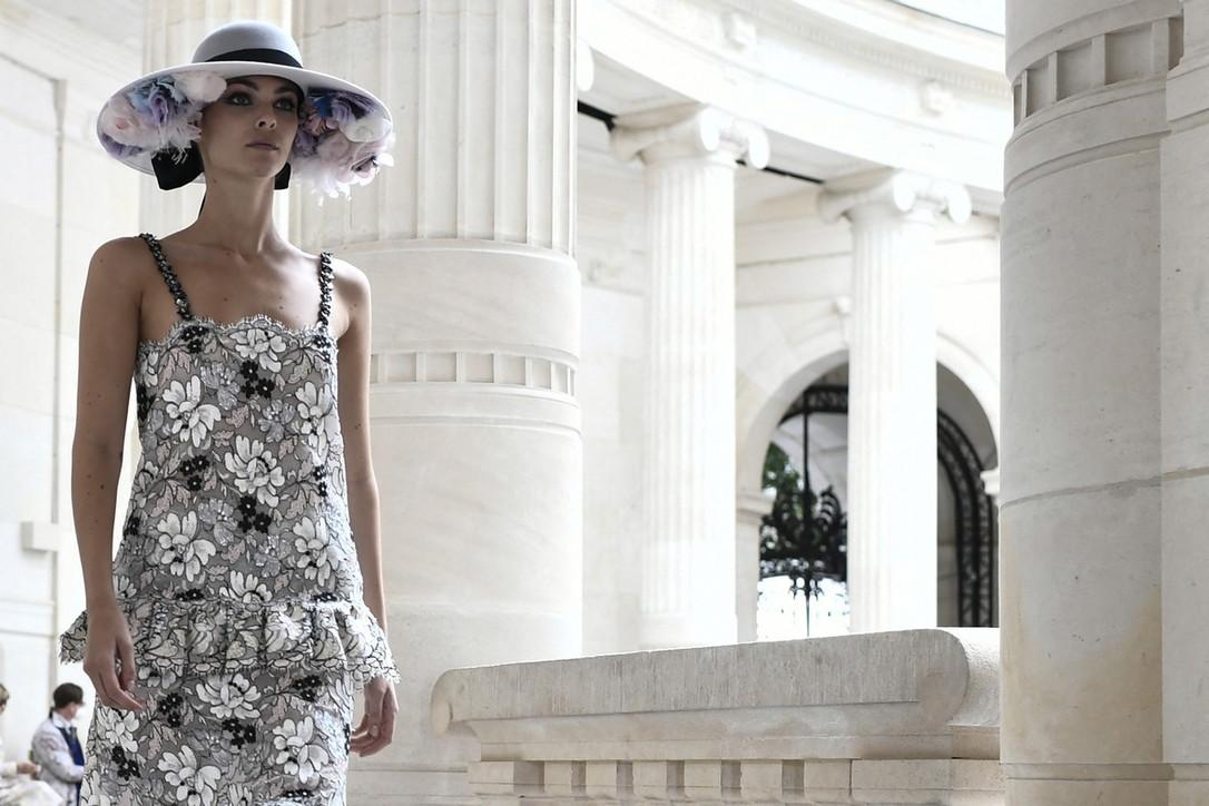 Sfilate Paris Fashion Week, ChanelHaute Couture: i look più preziosi