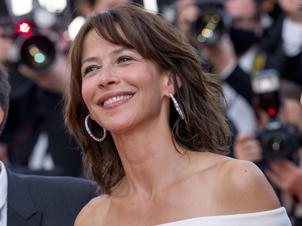 Cannes 74, Sophie Marceau regina del red carpet