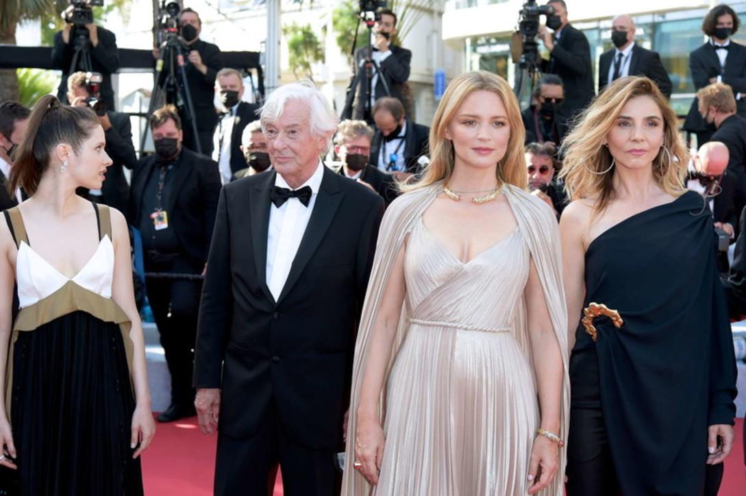 "Cannes 74, bellezze sul red carpet per il film-scandalo ""Benedetta"" diVerhoeven"