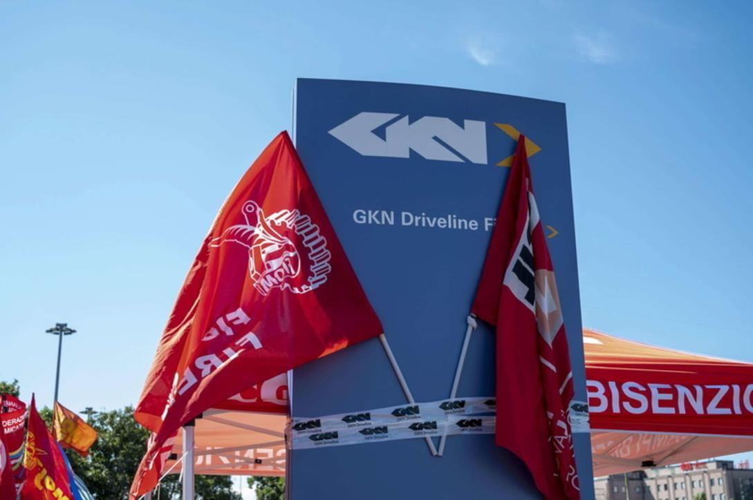Gkn chiude a Firenze: 422 lavoratori licenziati via mail