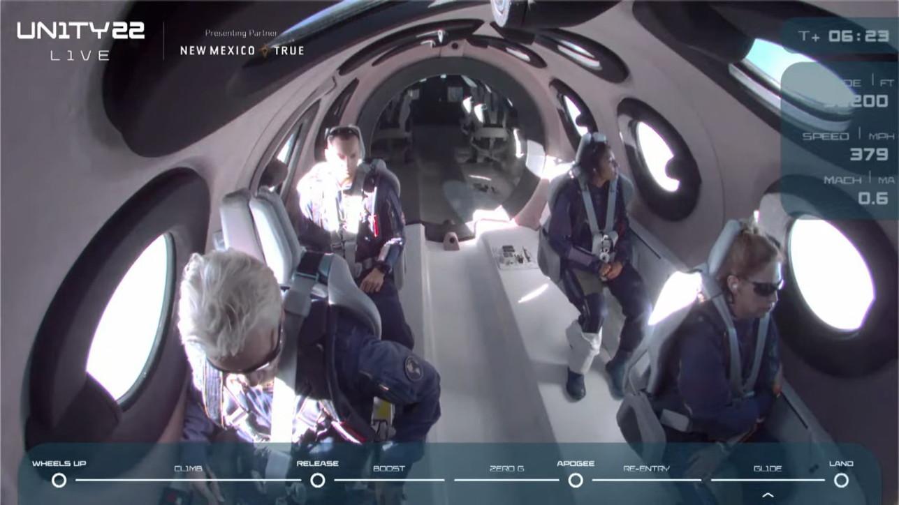 """Branson e il suo viaggetto nello spazio: """"Realizzato un sogno"""""""