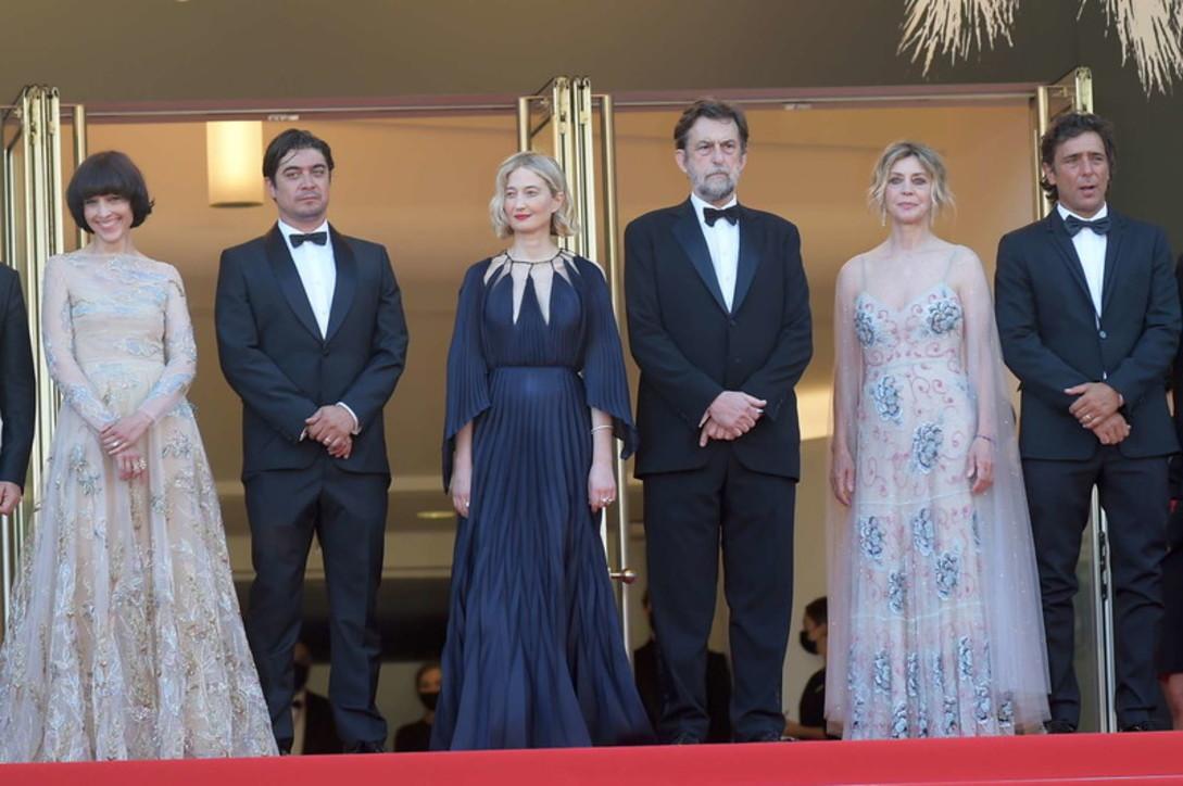 """Cannes 74: daMargherita Buya Riccardo Scamarcio, il red carpet di """"Tre Piani"""" di Moretti"""