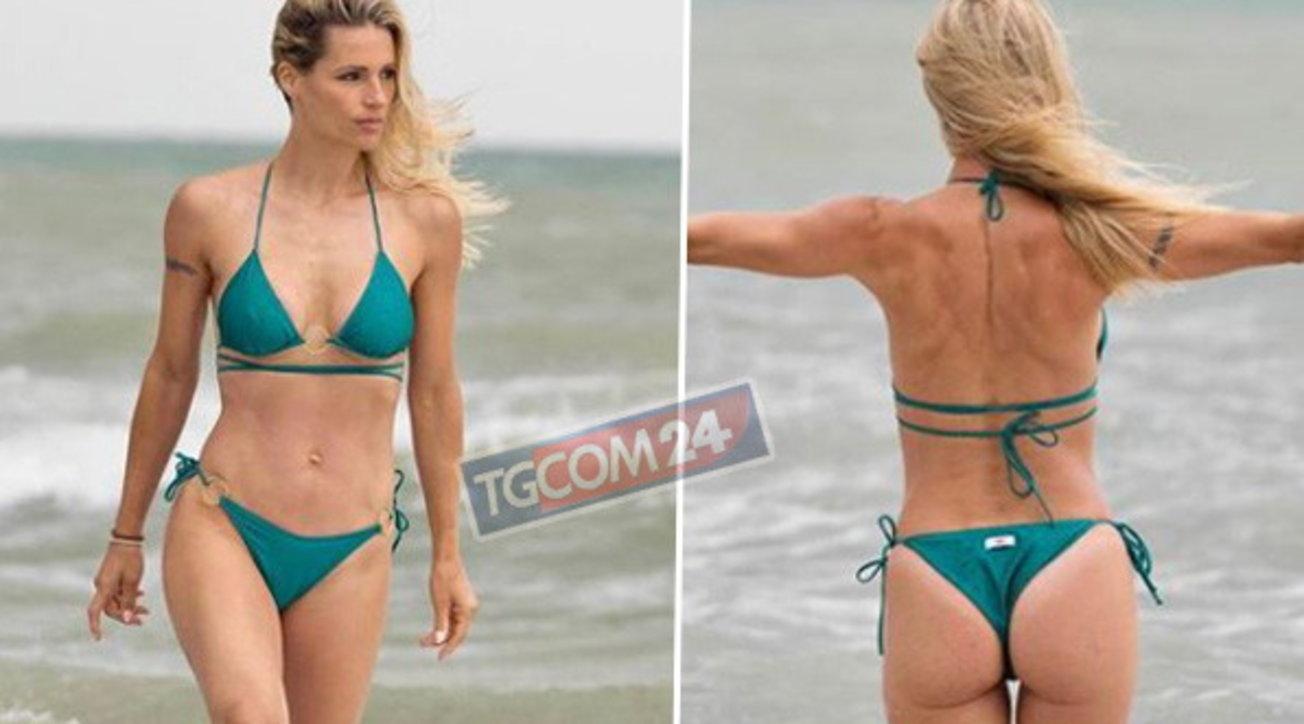 """Michelle Hunziker in bikini, è lei """"lo spettacolo più bello dell'universo"""""""