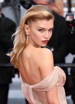 Cannes 74, da Stella Maxwell a Sofia Resing:sfilata di bellezza sul red carpet