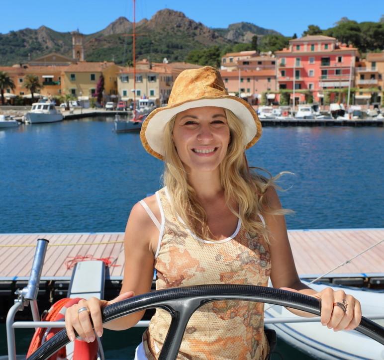 Donnavventura: in catamarano tra isole e il perfetto mare della Toscana