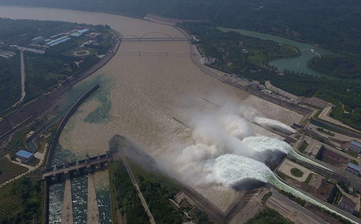 Diga a rischio crollo dopo alluvione: una breccia fa tremare 7 milioni di persone