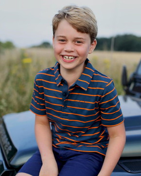 E' il compleanno del principino George, la foto di Kate per gli 8 anni