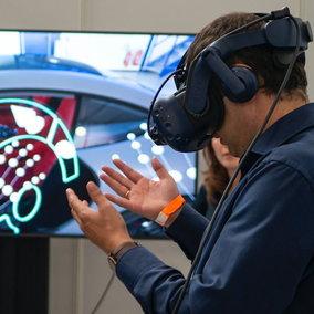 Videogiochi: studio svela come la realtà virtuale aiuta le persone affette dal Parkinson