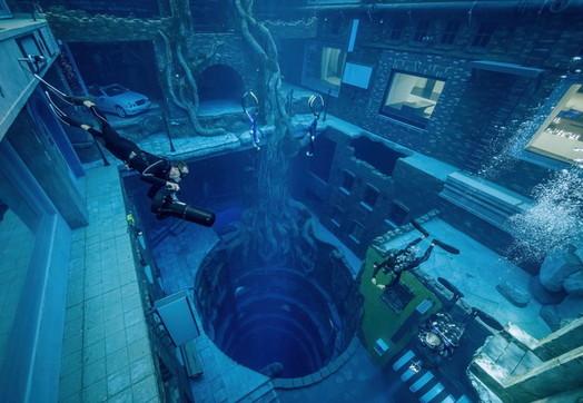 Dubai: apre la piscina più profonda del mondo