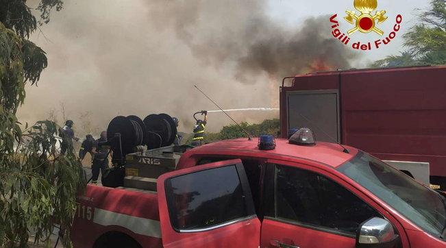 Vasto rogo nell'Oristanese, case evacuate