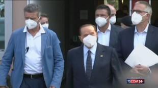 """Berlusconi: """"Chi non si vaccina accetti le limitazioni"""""""