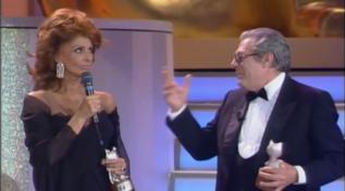 Marcello Mastroianni avrebbe compiuto oggi 97 anni: rivediamolo sul palco dei Telegatti