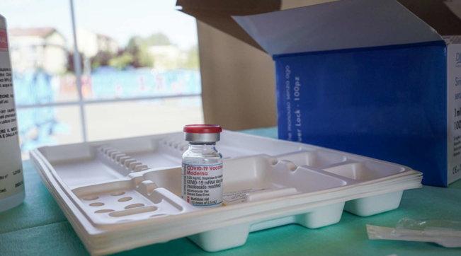 vaccini covid italia moderna