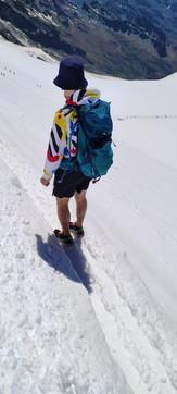"""Montagna, l'allarme del Soccorso Alpino: """"In troppi male equipaggiati sul ghiacciaio: rischiano la morte"""""""