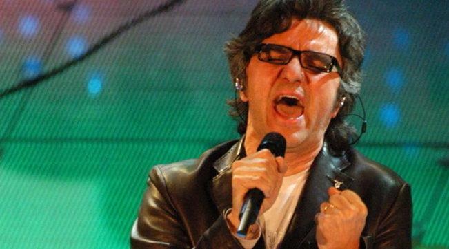 Malore sul palco per Gaetano Curreri, leader degli Stadio
