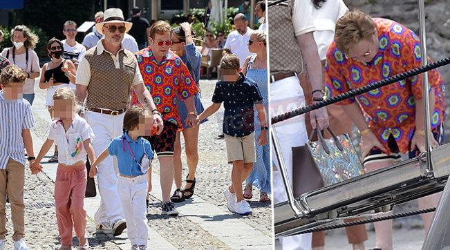 Elton John e il marito passeggianoper Portofino coi figli e la rockstar appare... affaticata