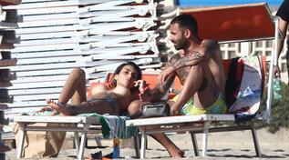 """""""Temptation Island"""", Valeria Liberati sfoggia il topless al mare con Ciavy"""