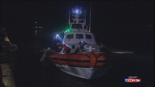 Migranti, altri tre sbarchi con 126 persone a Lampedusa