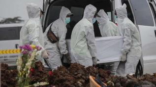 Covid, in Indonesia 1.747 morti nelle ultime 24 ore