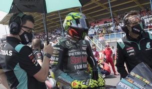 """Rossi ha deciso: """"Mi ritiro, avrei voluto correre altri 25 anni... Ora le quattro ruote"""""""