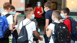 Cdm: no obbligo di mascherina in classe se tutti studenti vaccinati