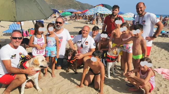 Sperlonga, tre cani bagnino salvano quattordici persone