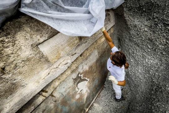 Pompei, scoperta una nuova tomba: attestati per la prima volta spettacoli in lingua greca
