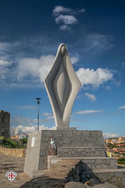 """Santa Teresa di Gallura, la statua della Madonna dei naviganti """"scatena"""" i social"""