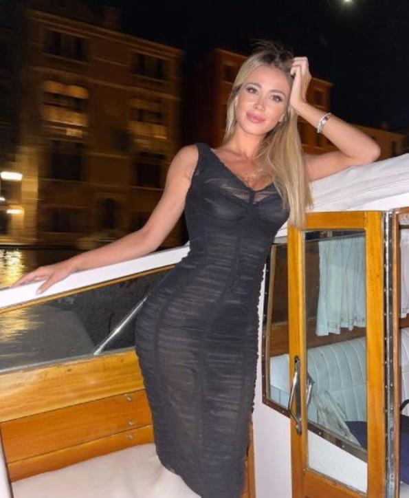 Diletta Leotta a Venezia con un'amica: è finita con Can Yaman?