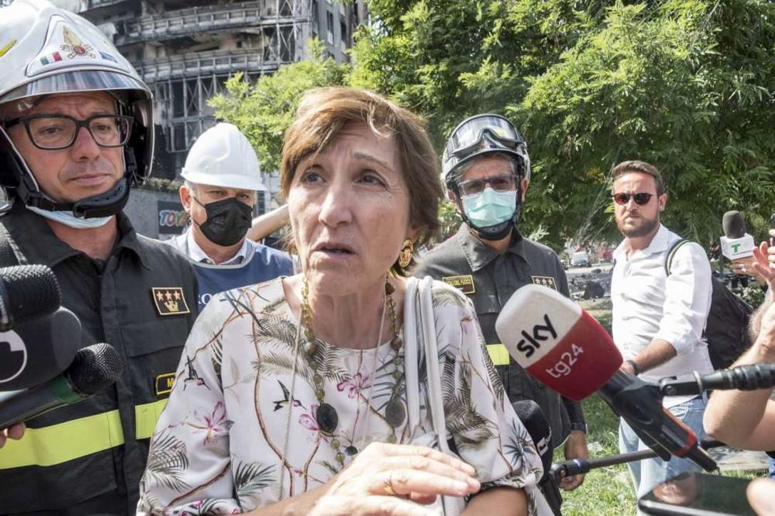 Incendio a Milano, il sopralluogo dei magistrati alla Torre dei Moro
