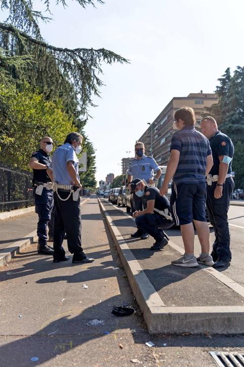 Cade con il monopattino elettrico, 13enne muore nel Milanese