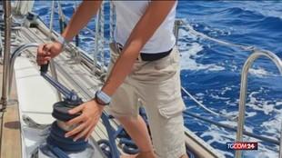 Castellammare, a fuoco una barca a vela ormeggiata in porto: morta la skipper