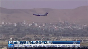 Breaking News delle 12.00 | Partito l'ultimo volo da Kabul