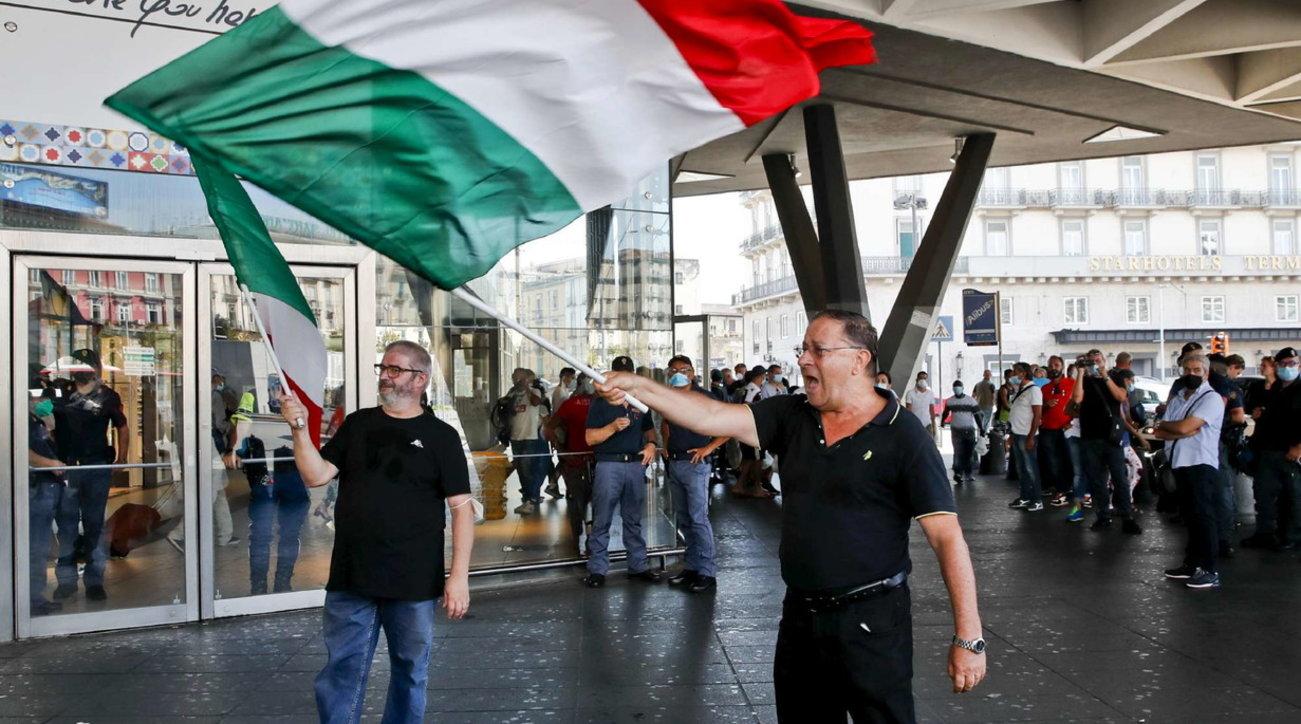 Proteste Green pass, a Napoli due manifestanti