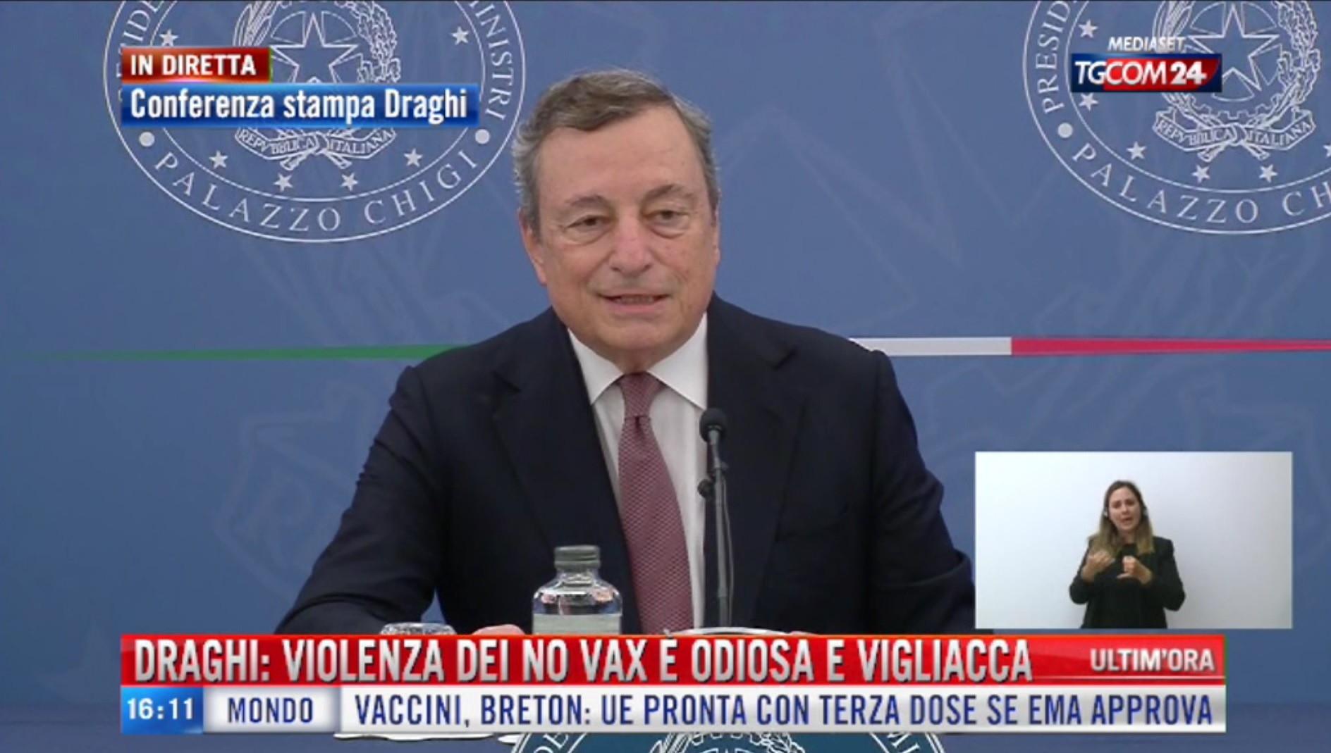 Green pass, la conferenza stampa del premier Draghi su scuola e trasporti
