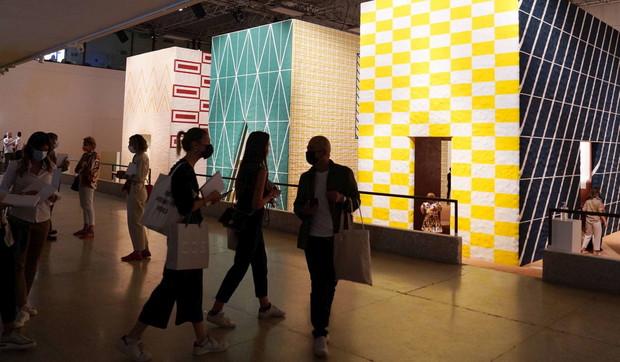 Icone che si trasformano e cubi di luce:il Fuorisalone a Brera