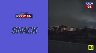 Terremoto in Messico, il cielo solcato da misteriosi lampi
