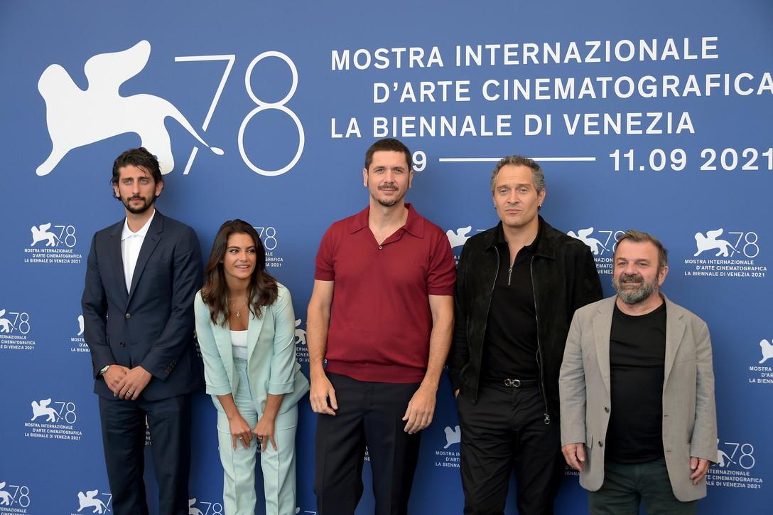 """A Venezia 78 sfilano i protagonisti di """"Freaks out"""""""