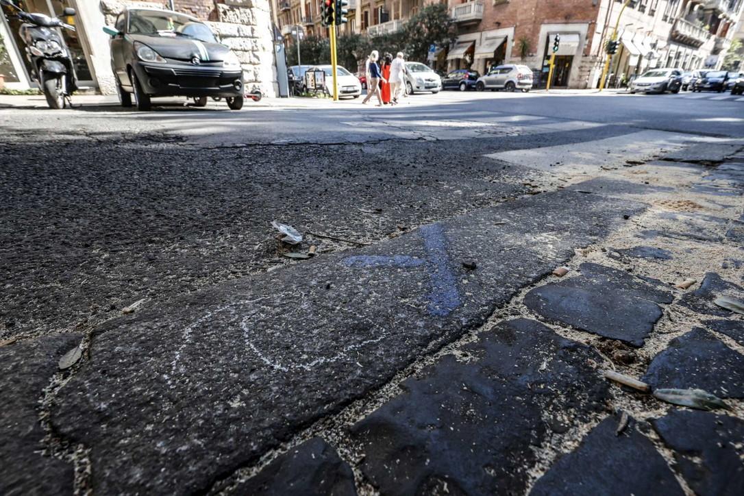 Roma, schianto mortale tra un monopattino e un'auto