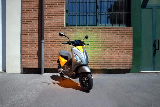 Scooter elettrici, la sfida di Piaggio