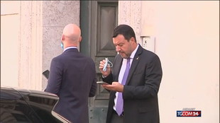 """Salvini: """"Varianti del virus sono reazioni ai vaccini"""", è polemica"""