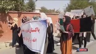 Afghanistan, proteste per i diritti civili davanti ai talebani