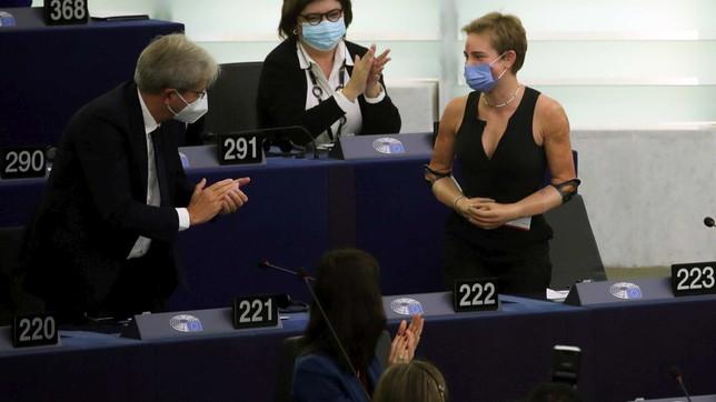 Lungo applauso del Parlamento Ue a Bebe Vio