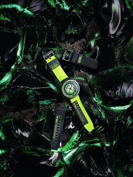 """Moda, orologi autunno 2021, Swatch: la collezione """"Big Bold Planets"""""""