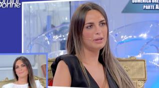 Andrea Nicole si confronta con il parterre maschile: non tutti, però, sono pronti a corteggiarla